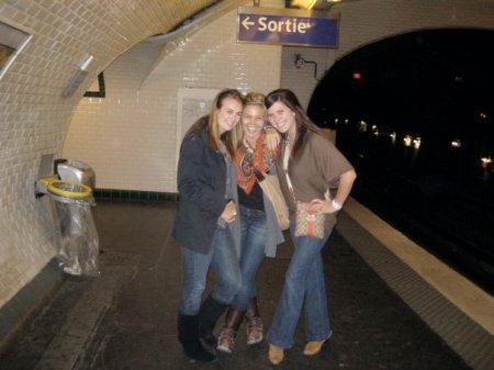 girls metro